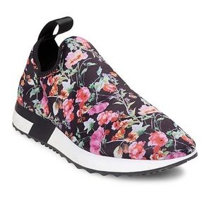 New in Box Steve Madden Speed Floral Sneakers